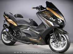 Scooter Yamaha, Maxi Scooter, Yamaha Nmax, Scooter Motorcycle, Moto Bike, Fast Scooters, Motor Scooters, Sexy Men Quotes, 49cc Moped