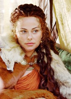 thisfalconwhite:  Polly Walker as Atia of the Julii in Rome