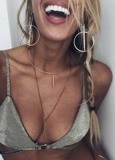 bar necklace. triangle bikini bra. summer. beach #style #jewellery #jewelry