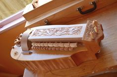 hurdy gurdy australia plans - Recherche Google Hurdy Gurdy, Hammered Dulcimer, Life Design, Musical Instruments, Musicals, Carving, How To Plan, Australia, Google