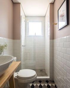 """234 Likes, 10 Comments - studio boscardin.corsi (@studioboscardincorsi) on Instagram: """"O que falar do lavabo do @apartamento.33? ✨✨ O ladrilho hidráulico tem uma padronagem muito…"""""""