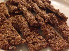 Recept: 2 dl havregryn 2 dl proteinpulver (choklad) 1 dl kokos 1 msk kakao (eller mer) 2 msk linfrön (i varmt vatten) 1 msk kokos olja (köp HÄR) 1 dl kvarg Ca 1 dl mjölk (ta i långsamt) Lägg linfröna i kokande vatten några minuter eller krossa dom, blanda alla torra ingredienser, blanda ner kvarg