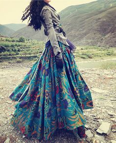 bohemian boho style hippy hippie chic bohème vibe gypsy fashion indie folk look Mode Hippie, Bohemian Mode, Hippie Gypsy, Bohemian Style, Bohemian Skirt, Bohemian Clothing, Gypsy Skirt, Gypsy Style, Hippie Style