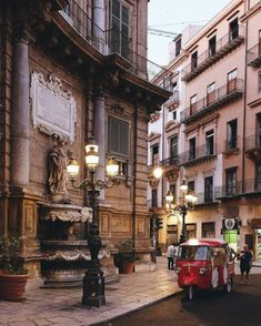 The city of Palermo, Sicily has so many attractions it's mind-blowing. Amazing architecture, delicious food, crystal waters, ancient cities and much more. Italy Country, Palermo Sicily, Italy Holidays, Italy Travel Tips, Sicily Italy, World Pictures, Italy Vacation, Amazing Architecture, Belle Photo