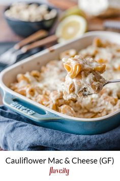 Mac and cheese recipe with a cauliflower cheese sauce. Keto Mac And Cheese, Cauliflower Mac And Cheese, Cauliflower Dishes, Mac Cheese, Clean Recipes, Vegetarian Recipes, Healthy Recipes, Healthy Cooking, Healthy Eating