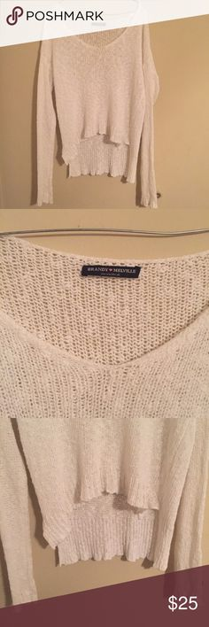 Brandy Melville white Carmen knit sweater The sweater in in excellent condition with no flaws. One size. Brandy Melville Sweaters