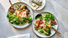 Soft Lettuces with Prosciutto, Peas, and Poppy Seeds Fresh Salad Recipes, Yummy Pasta Recipes, Suddenly Salad, Matzo Meal, Main Dish Salads, Holiday Dinner, Mediterranean Recipes, Prosciutto, Vegetable Dishes
