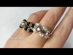 Rondelle's world now~~~, in this tutorial. Don't miss this cool looking ring. Diy Beaded Rings, Diy Rings, Beaded Jewelry, Rose Gold Engagement, Vintage Engagement Rings, Solitaire Engagement, Crystal Rhinestone, Swarovski Crystals, Ring Tutorial