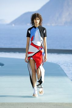 Louis Vuitton Resort 2017 Cruise Collection | Nicolas Ghesquière's destination fashion show in Rio.