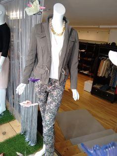 Mehr als nur Mode! Suit Jacket, Breast, Suits, Jackets, Fashion, Spring Summer, Down Jackets, Moda, Fashion Styles