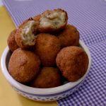 Receta - CROQUETAS DE BERENJENA Y PARMESANO (4,75/5) Recetas con berenjena http://www.rebanando.com/berenjena-recetas.htm