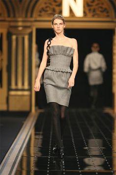 Fendi Fall 2006 Ready-to-Wear Fashion Show - Angela Lindvall