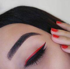red on top of black eyeliner. Makeup Eye Looks, Cute Makeup, Glam Makeup, Skin Makeup, Makeup Inspo, Eyeshadow Makeup, Makeup Art, Makeup Inspiration, Beauty Makeup