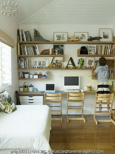 built-in desk for boys