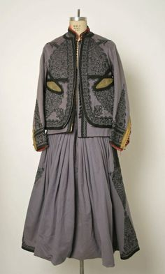 Algerian ensemble via The Costume Institute of the Metropolitan Museum of Art