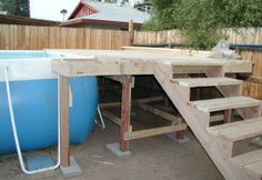 These are some examples of wood pool decks next to above ground pools. Nothing too fancy here, just stuff that you could do on your own pool. Wood Pool Deck, Pool Decks, Backyard Pools, Above Ground Pool Stairs, Deck Framing, Deck Construction, Diy Pool, Wood Stairs, Diy Deck