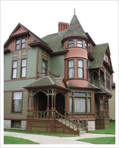 Researching early 20th century architecture for Literature and came across a web gem! (http://www.antiquehome.org/site-map.htm)