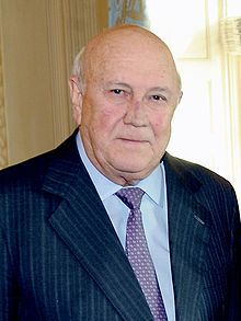 February 2 – Apartheid: In South Africa, President F. de Klerk allows the African National Congress to legally function again and promises to free Nelson Mandela. Famous Left Handed People, African National Congress, South African Air Force, Africa Flag, Great Speakers, Nobel Peace Prize, People, South Africa