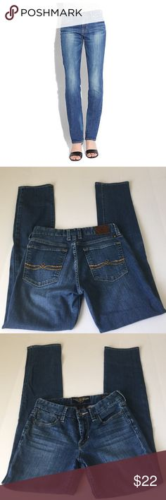 Lucky Brand The Sweet Jean Straight, size 26 Lucky Brand The Sweet Jean Straight in size 26. Flat lay measure of the waist is 14. Rise is 8.5, inseam is 32, and leg opening is 6.5. Color is a mid wash blue. Made from93% cotton, 5% polyester,and 2%spandex. In excellent condition, please ask if you have any questions. Lucky Brand Jeans Straight Leg