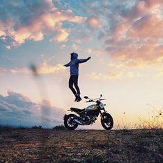 """Getting lifted with the new @scramblerducati. Photo by @brahmino.  @heroesintheair  #croig #caferacersofinstagram"""