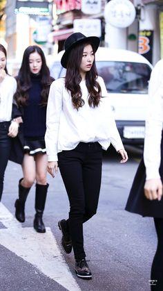 Red Velvet Seulgi Kpop Fashion 141114 2014