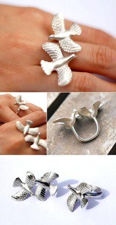 """Bird Dance"" ring by Australia's Momoko Hatano"