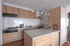 キッチンに貼った事例(鉄さび)