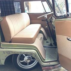 Bora pro rolê? Siga/follow@volksroad #kombi #aircooled #patina #vwbus #vwvan #vwlovers #vwkombi #vwcombi #carona #classiccars #classic #slammed #aircooled #hoodride #woswos #dasauto #vintage #combi #westfalia #lol #volks #volkswagen #t1 #microbus #bus