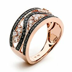 Black and white diamonds set in 18k rose gold. LQ13959L