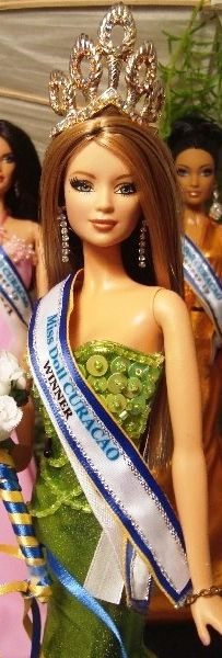 barbie doll pageants miss doll Curacao../ 38.3.20
