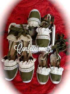 idea para alpargatas Handmade Ornaments, Beach Sandals, Canvas Leather, Shoe Boots, Shoes, Diy And Crafts, Projects To Try, Ideas Para, Make Shoes
