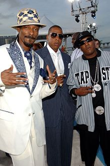 Snoop Dogg, Jay-Z and Young Jeezy - MTV Video Music Awards, Aug. 2005 2pac Quotes, Rapper Quotes, Black Couples Goals, Couple Goals, Mtv Video Music Award, Music Awards, Prince Cream, Emma Carstairs, Young Jeezy