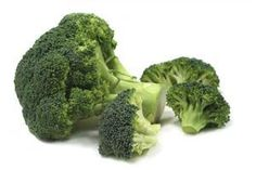 Broccoli is a nutrient rich vegetable that has several proven health benefits. It is very high in vitamins, minerals, and phyto-nutrients such as vitamins A, C, K, & B-complex, calcium, magnesium, selenium, zinc, & iron, and beta carotene. Broccoli is packed with anti-cancer compounds such as sulforaphane and indole-3-carbinol, which are known to help prevent stomach, colon, liver, breast, skin, and prostate cancers.