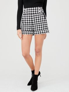 River Island River Island Dogtooth Button Detail Short-black/white | littlewoodsireland.ie Short Outfits, Dress Outfits, Short Skirts, Mini Skirts, High Leg Boots, Long Toes, River Island, Knitwear, Casual Shorts