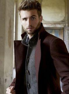 MiLeZehn belle couleur bordeaux pour le manteau
