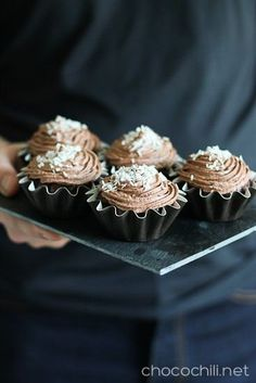 Kookos-suklaakakkuset ja uusi alku