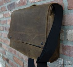 Waterfield Designs Rough Rider Messenger Bag: First Look