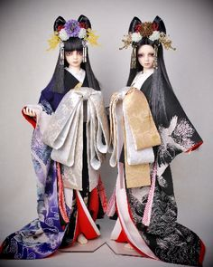 Ball jointed dolls dressed in kimono.
