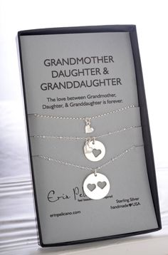 Grandma Gift. Grandmother Mother Daughter Jewelry. Gift for Her. Grandmother of the bride gift. Birthday gift for Her. Family tree necklace.