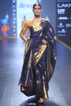 Gaurang Shah Lakme Fashion Week, India Fashion, Ethnic Fashion, Asian Fashion, Trendy Sarees, Stylish Sarees, Indian Attire, Indian Ethnic Wear, Indian Dresses