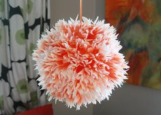 DIY Chrysanthemum lantern. I've seen similar tutorials that I don't like nearly as much as this one! So gonna try this with a big ikea lantern :)