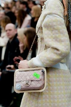 chanel-details-autumn-fall-winter-2014-25 #wherefashionhappens #chanel #style