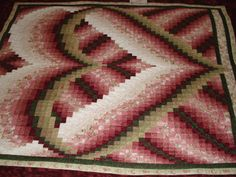 Quilt has 4,372 pieces