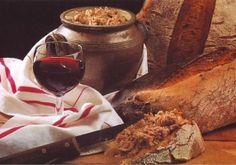 """Rillettes d'oie landaises - La réputation des rillettes remonte au XVe siècle. Boileau évoque avec gourmandise ces """"rilles et rillons"""", savoureuses sur du pain grillé encore tiède."""