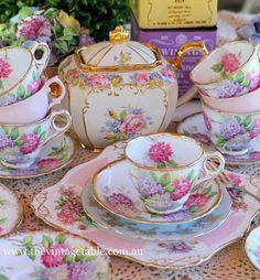 Dezertní a čajová sada * růžovo bílý porcelán s malovanými hortenziemi a zdobený zlatem ♥