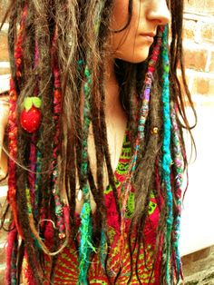 personally, i know its a litle overdone but the glory about it is that your dreads change. things fall out, you take wraps out from time to time so your dreads dont die, stink or mold. but i love the look, honestly Hippie Style, Hippie Love, Bohemian Style, Boho Chic, Hippie Things, Ny Style, Happy Hippie, Mundo Hippie, Hippie Hair