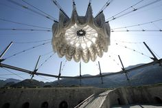 Continuing with the theme of architectural textiles that I seem to be headed down lately, I present to you the retractable roof of the Festungsarena Kufstein in Austria; an outdoor performance spac…