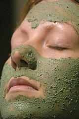 Spa Pampering at Home Using Food Based Ingredients - Renaissance Culinaire Chocolate Facial, Diy Face Scrub, Honey Face Mask, Charcoal Face Mask, Lip Balm Recipes, Normal Skin, Beauty Recipe, Diy Skin Care, Skin Cream