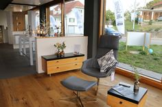Parkettböden in diversen Holzarten Office Desk, Corner Desk, Furniture, Home Decor, Types Of Wood, Ceilings, Corner Table, Desk Office, Desk
