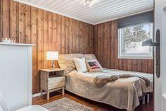Wow! Sjekk disse før- og etter bildene! - Franciskas Vakre Verden Cottage, Cabin, Bed, House, Inspiration, Furniture, Home Decor, Modern, January